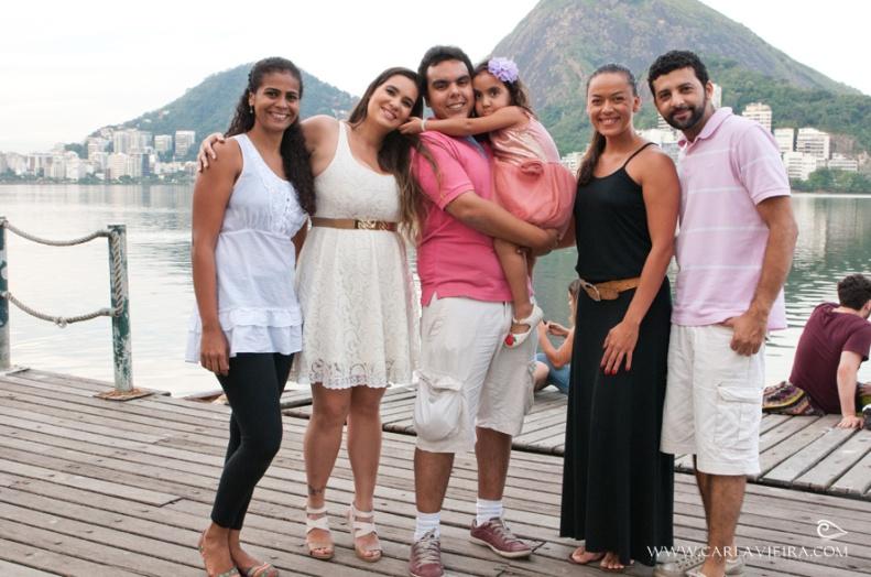 Foto com a equipe após o ensaio Pré-Casamento